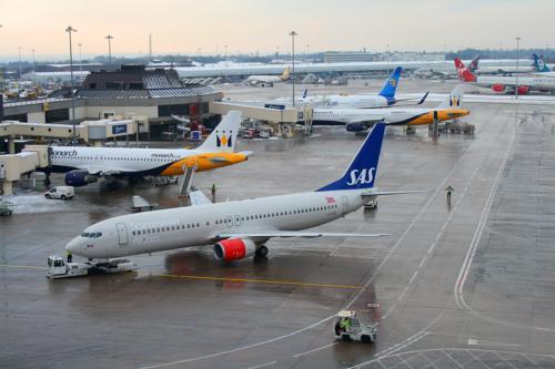 7863 SAS Airlines T1 Apron.jpg