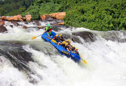 4045a Rafting White Nile.jpg