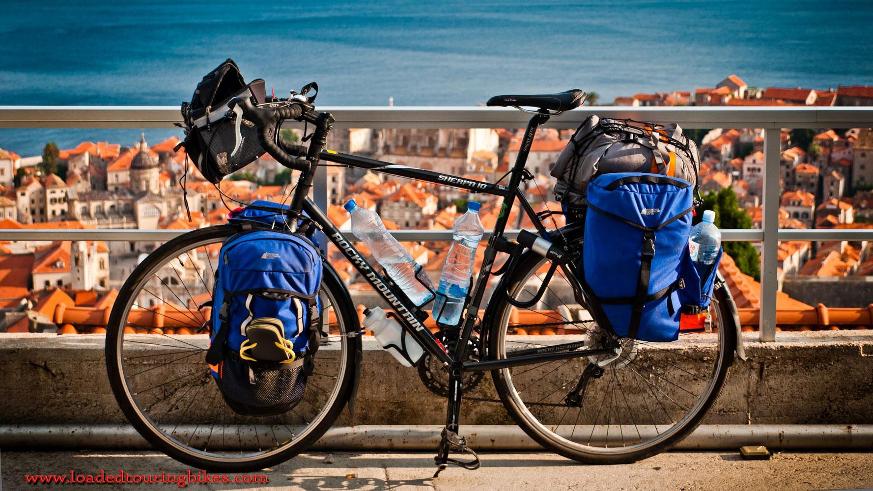 401    Simon touring Croatia - Rocky Mountain Sherpa 10 touring bike