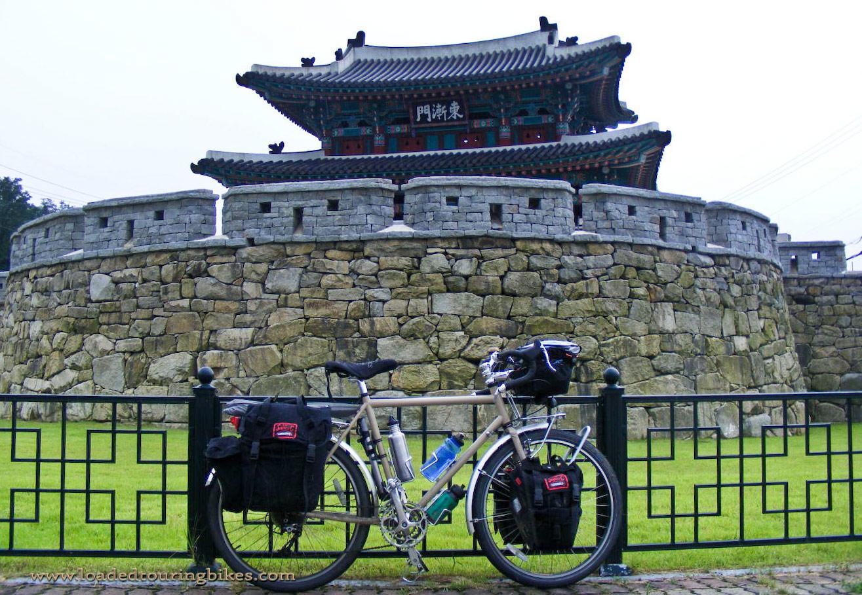 406    Eddie touring South Korea - Surly Long Haul Trucker touring bike