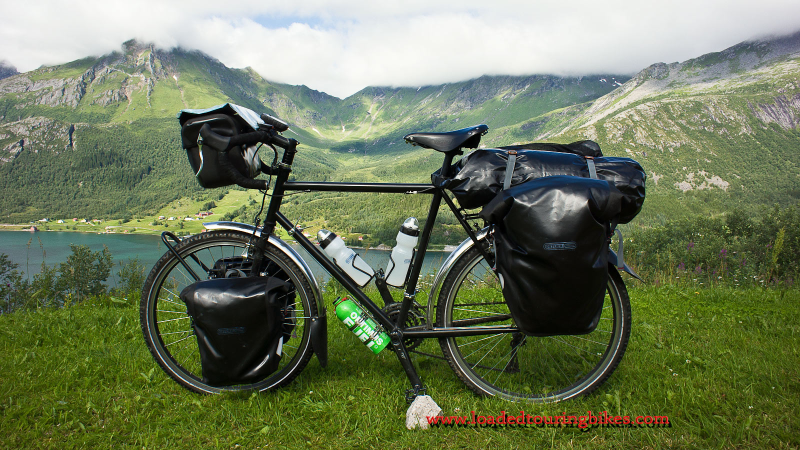 413    Kris touring Norway - Surly Long Haul Trucker touring bike