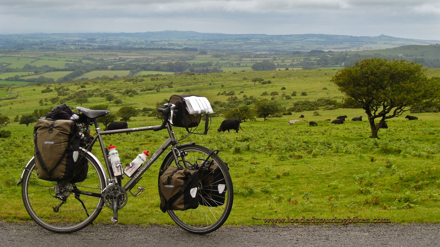 430    Theo touring England - Dawes Ultra Galaxy touring bike