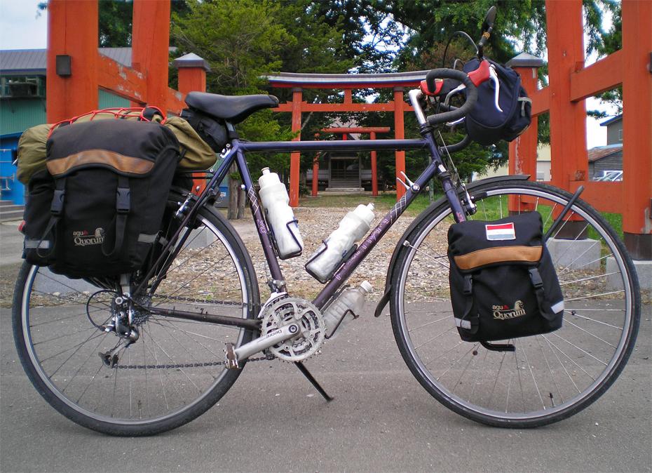 105  Peter - Touring Japan - Koga Globe Traveler touring bike