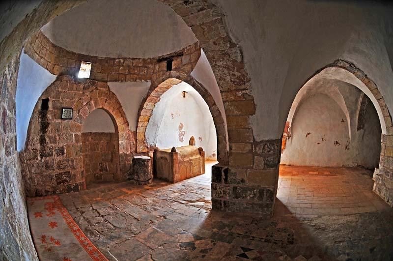 0374 Arons Tomb.jpg