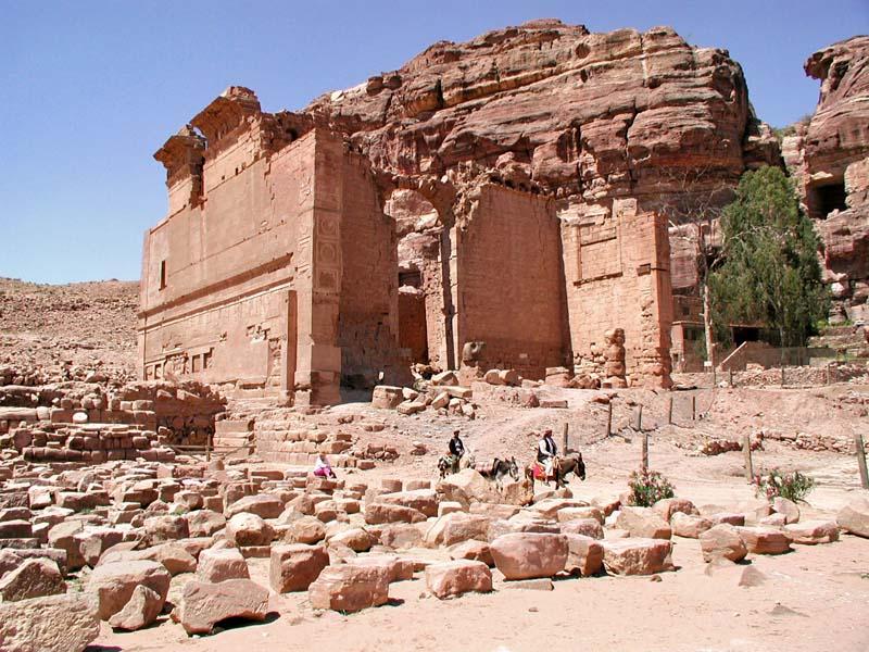0105 Qasr El-Bint.jpg