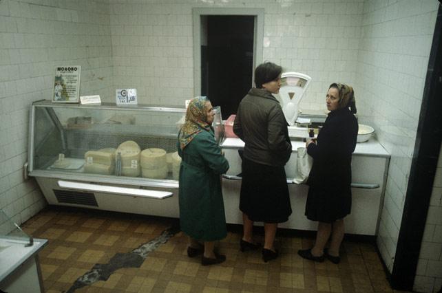 Soviet dairy store, Leningrad (c. 1983)