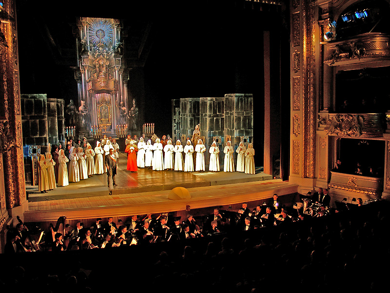 A night in the opera