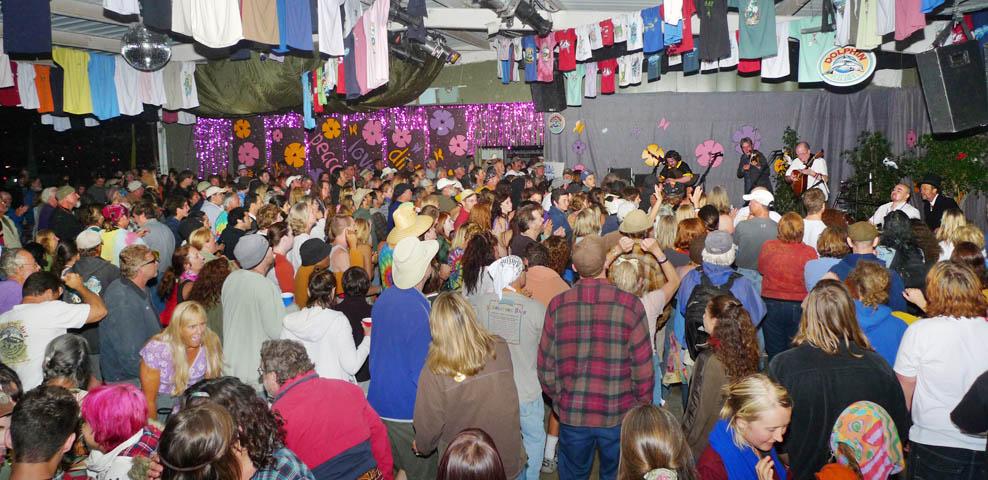 The crowd at Hot Licks
