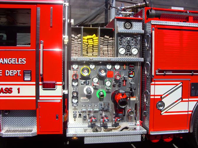 Parade 87 LAFD Engine 20 Engineer PanelCAFS.jpg
