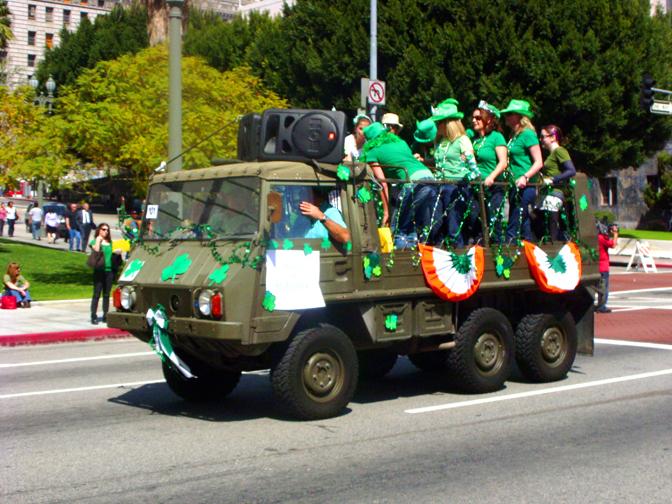 Parade 851.jpg