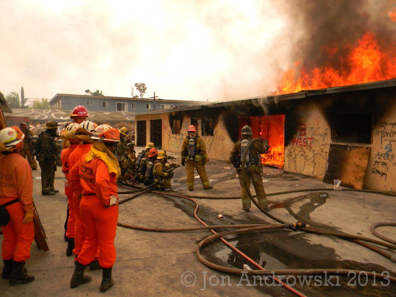 Inglewood Burn 4-4-13 9187.jpg