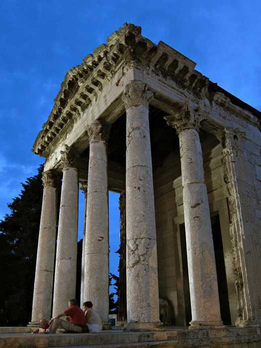 Pula - Temple of Augustus