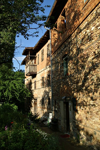 Stone houses, Vevčani