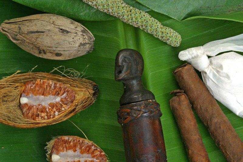 betel with lime gawid and Bulul -  aka moma