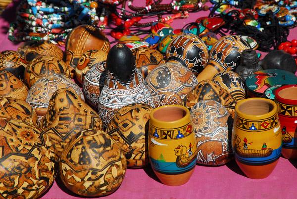 Souvenirs for sale, Islas Flotantes