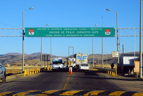 Toll road (Peaje) between Juliaca and Puno