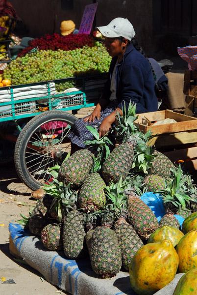 Pineapples, Puno market