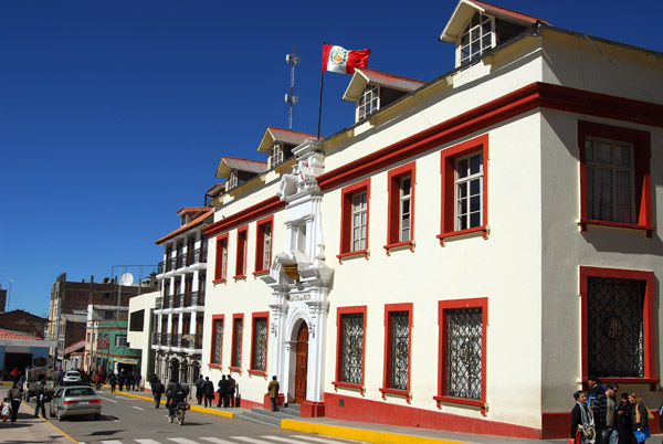 South side of the Plaza de Armas, Puno