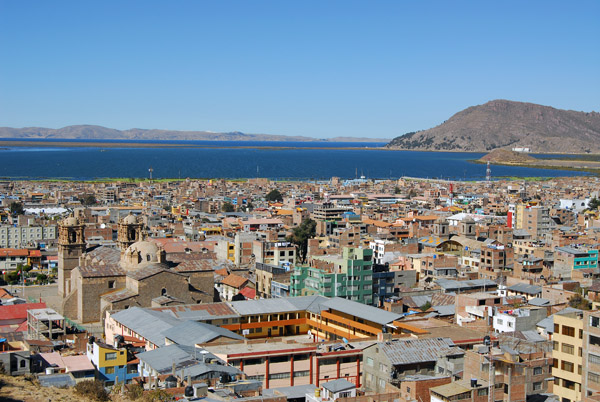View east from Huajsapata Park to the Plaza de Armas and Lake Titicaca