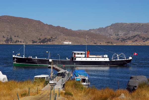 SS Yavari behind the Sonesta Posada del Inca Hotel