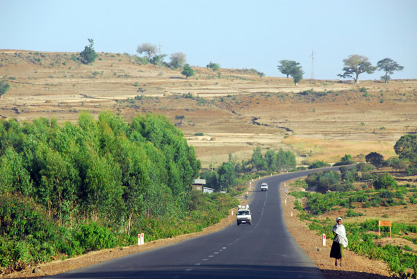 The main road north from Bahir Dar, paved and in good shape
