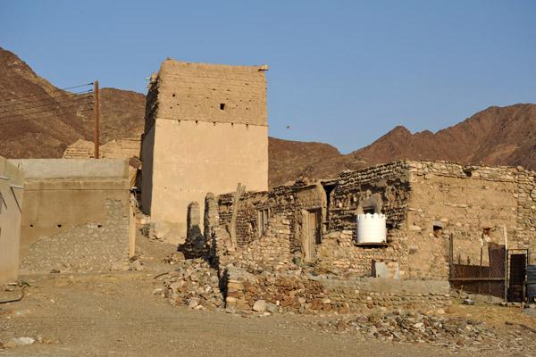 Village along Highway 9, Wadi Hawasinah