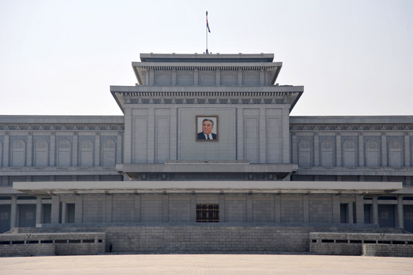 Inside, you bow at a statue of Kim Il Sung, then in the Holy-of-Holies, you bow three times around the body of Kim Il Sung