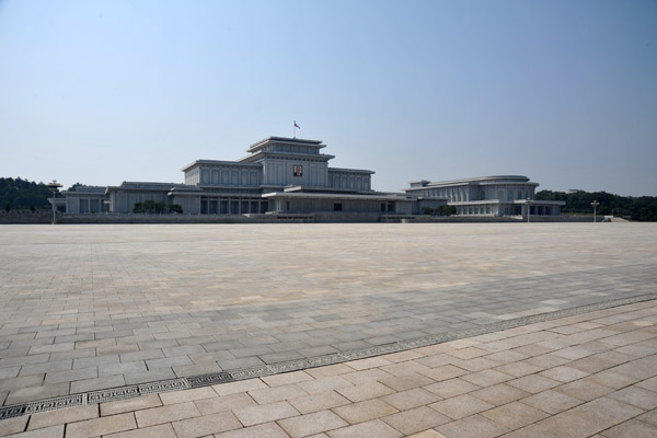 Kumsusan Memorial Palace - Lenin, Mao and Ho Chi Minhs mausoleums are nothing compared to this