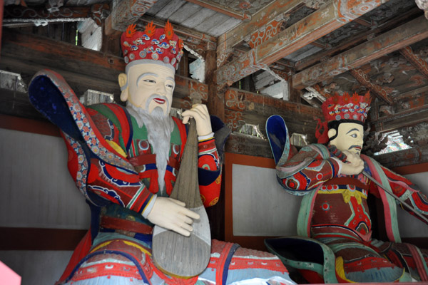 Two of the Sacheonwang (사천왕) Four heavenly kings