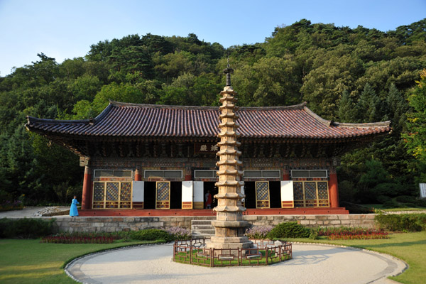 The main hall of Pohyon Temple was originally built in 1765