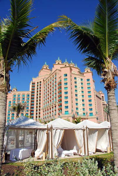 Massage tents, Atlantis