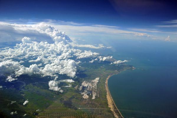 Coast of central Vietnam between Sông Gianh and Đèo Ngang