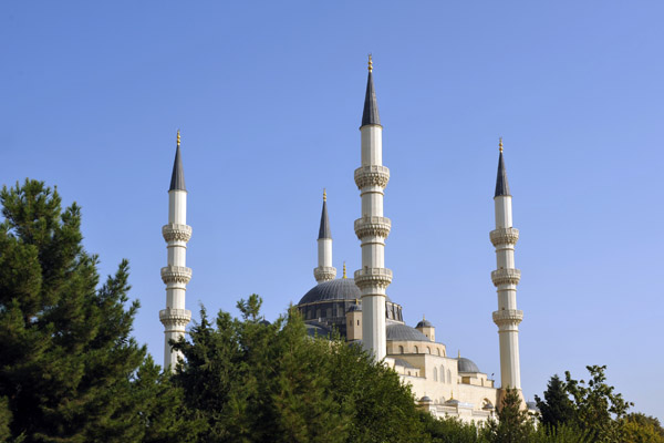 The Ertuğrul Gazi Mosque, Ashgabats answer to Istanbuls Blue Mosque