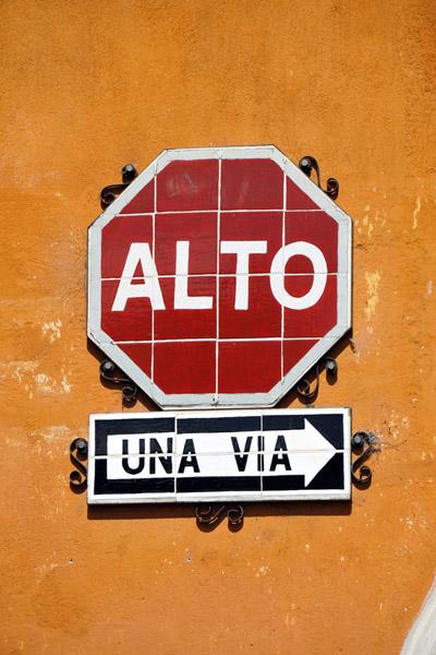 Alto & Una Via, Antigua Guatemala