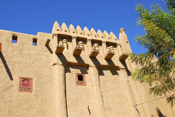 Mud-brick building with ornamentation, Djenné, Mali