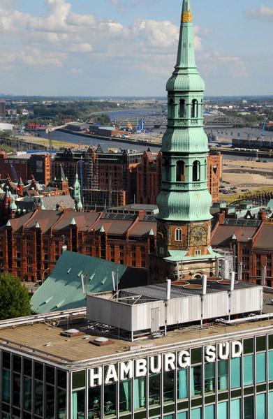 Katharinenkirche & Hamburg Süd from Nikolaikirche