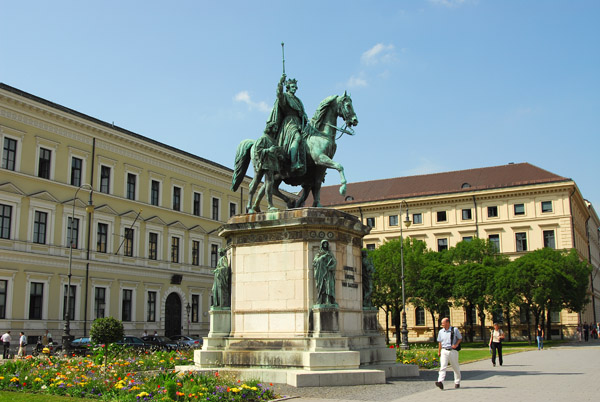 München - König Ludwig I von Bayern, Odeonsplatz