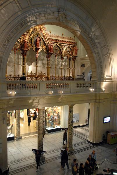 Entry hall, V&A Museum