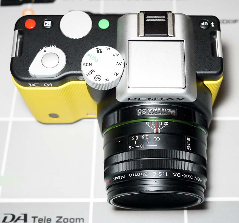 Pentax k01 56 yellow DA 35mm.jpg