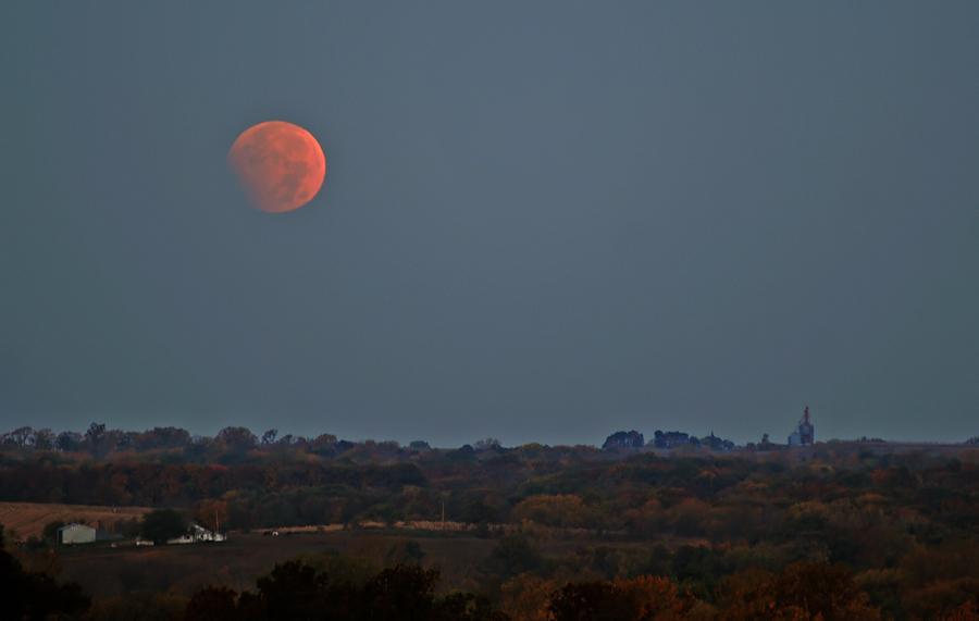 Hunters Moon Eclipse