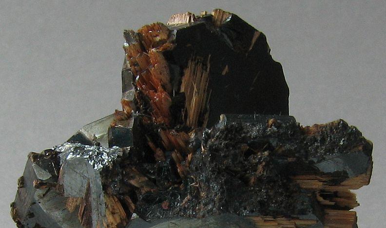 Rutile/Hematite Detail