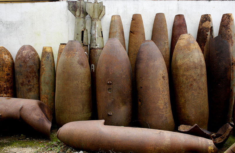 500 and 1000 lb. HE (High Explosive) aerial bombs recovered as UXO.jpg