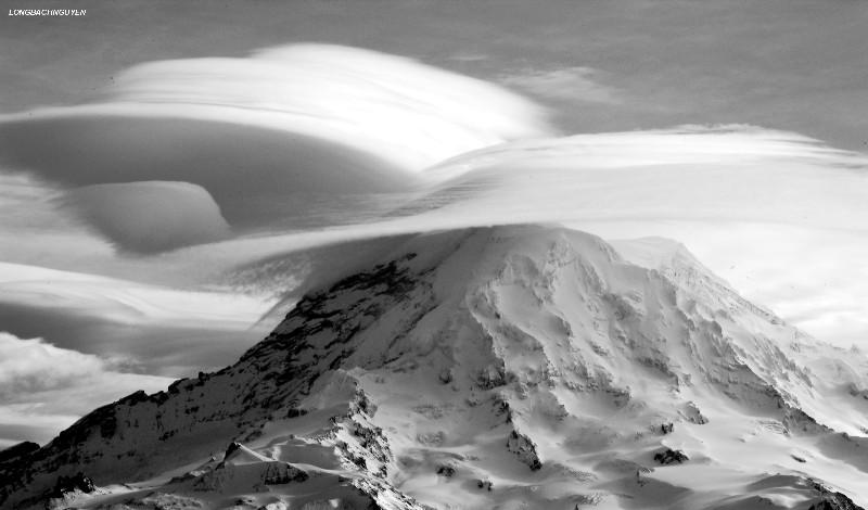 closeup of lenticular over Mt Rainier