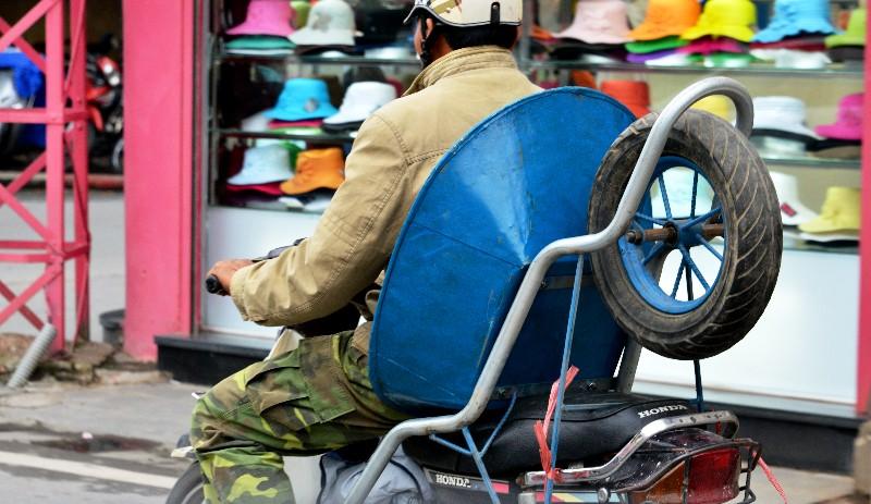 Wheelbarrow seat, Hanoi, Vietnam