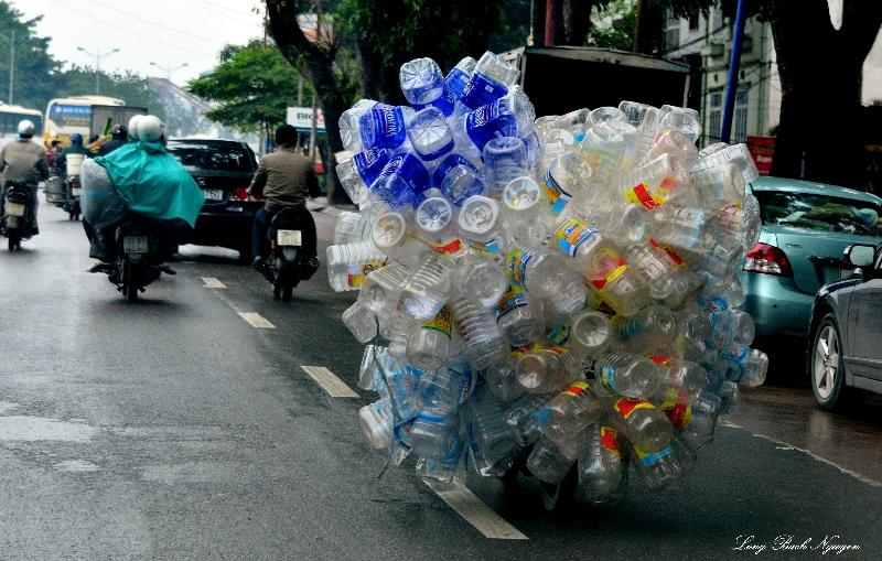 portable airbags or plastic bottles,Hanoi, Vietnam