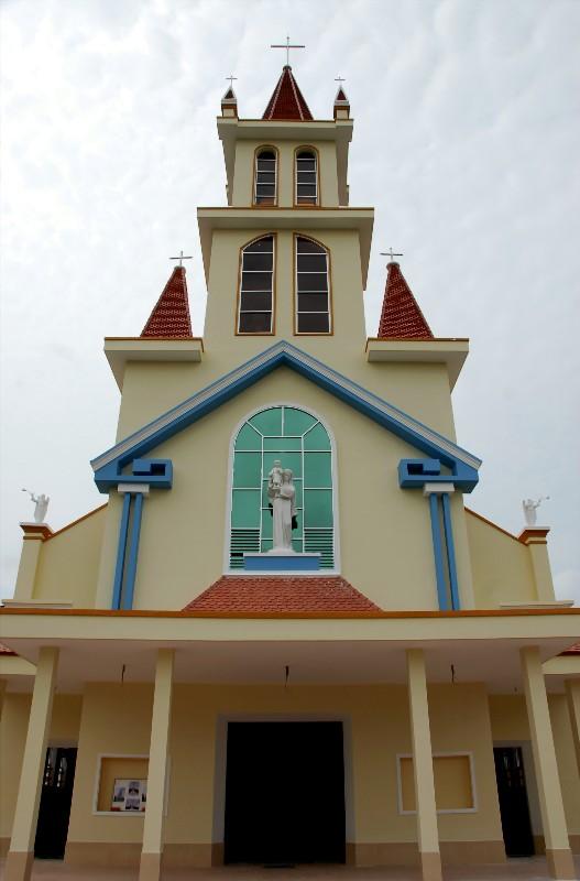 Giong Tre Church
