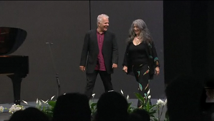 Stephen Kovacevich, Martha Argerich - bows, after the Mozart