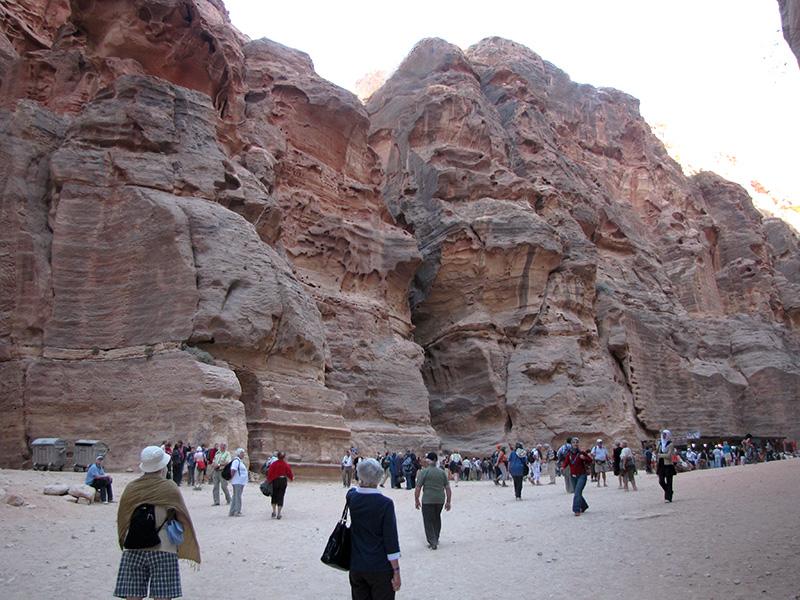 Back up the main road to Al Khazneh