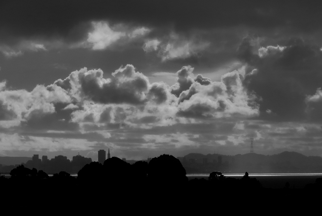 Heavy clouds, late afternoon, San SF skyline. 192mm-equiv, iso100, B&W, 12/12/12