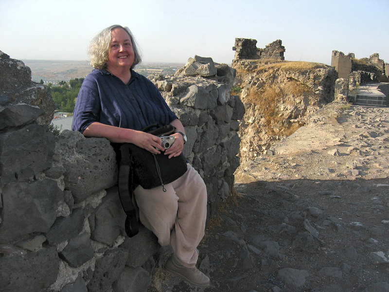 Resting again  :-) at the top of a Diyarbakir wall<br>(longest of ancient Anatolia).